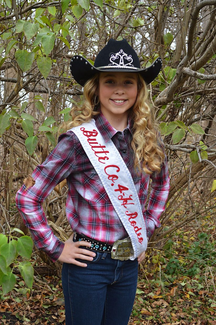 Rodeo Rapid City Welcomes South Dakota Rodeo Queens Tsln Com