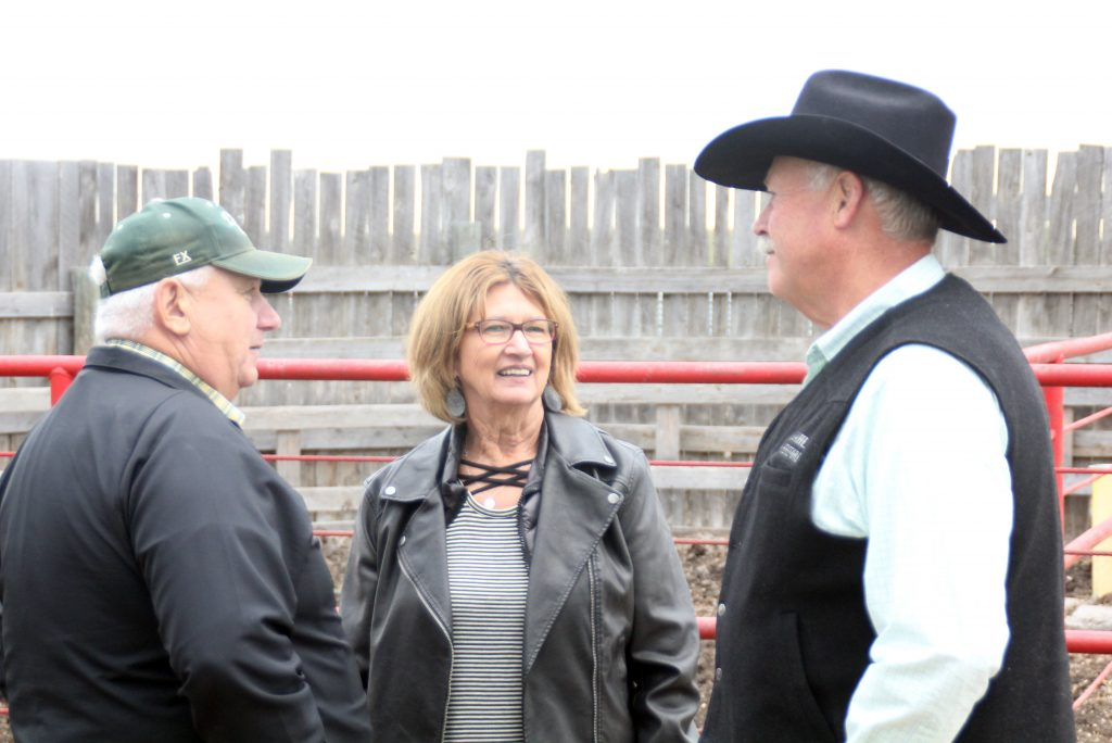 Rodney and Linda Dikoff with Tim Amdahl at the Amdahl Angus stop.